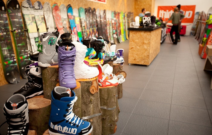 Snowboard Shops For Women In The UK Snowfit Revolutionz