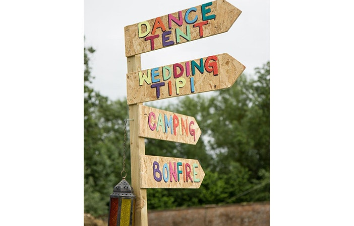 Festival wedding sign Pic: Pinterest