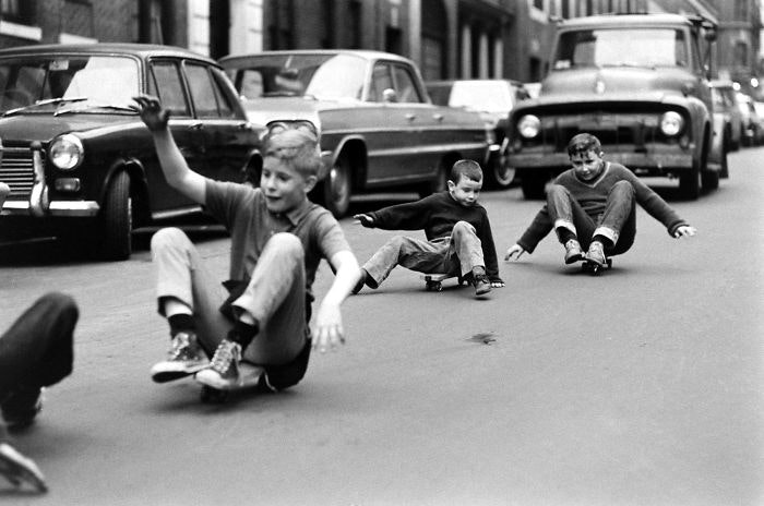 These Old Photos Of Children Playing Outdoors Show H...