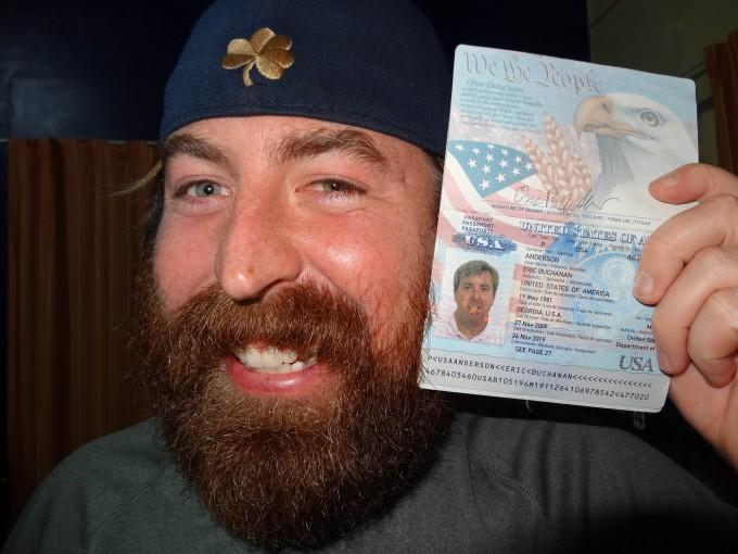 можно ли фотографироваться на права с бородой оклеивают дорогими