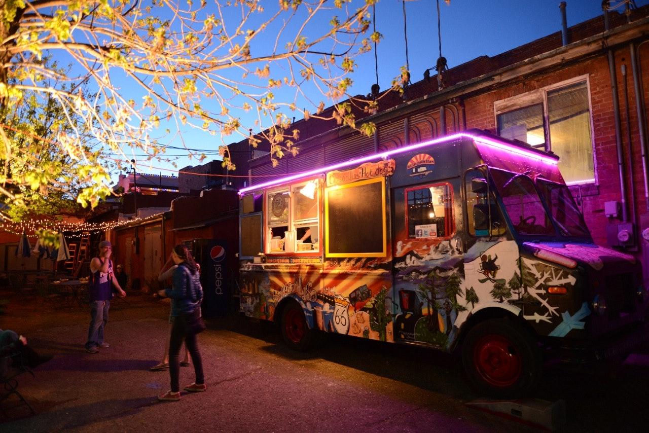 Food-Truck-Neon-Arizon