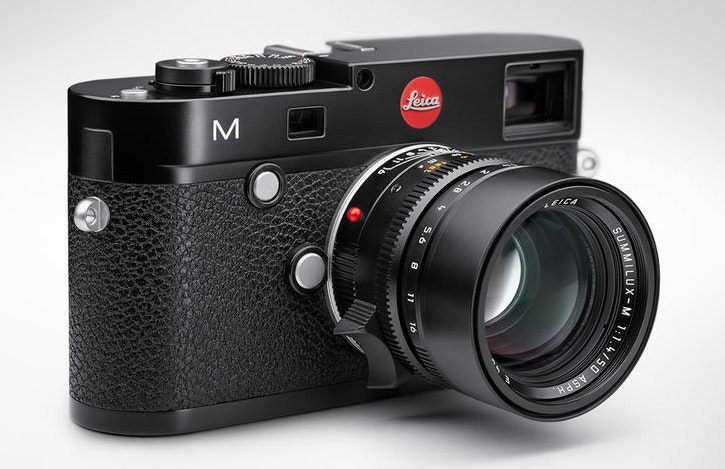 Best-Cameras-for-Travelling-Leica-M-Typ-240-Review-Buyers-Guide-and-Tips