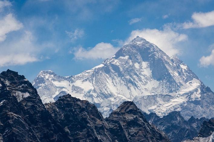Fifth-Highest-Mountain-In-The-World-makalu