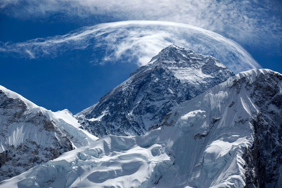 Highest-Mountain-In-The-World-everest-2