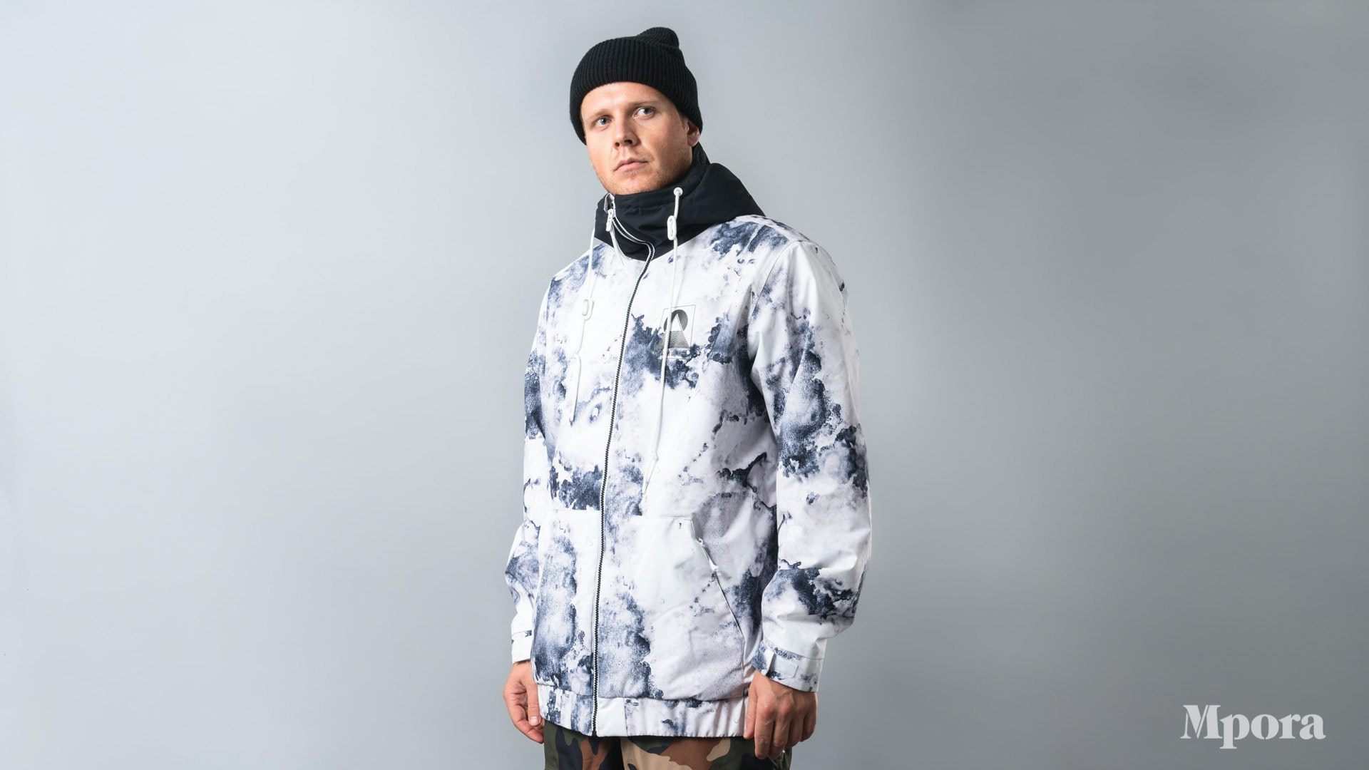 Best-Ski-Jackets-Armada-Baxter-Insulated