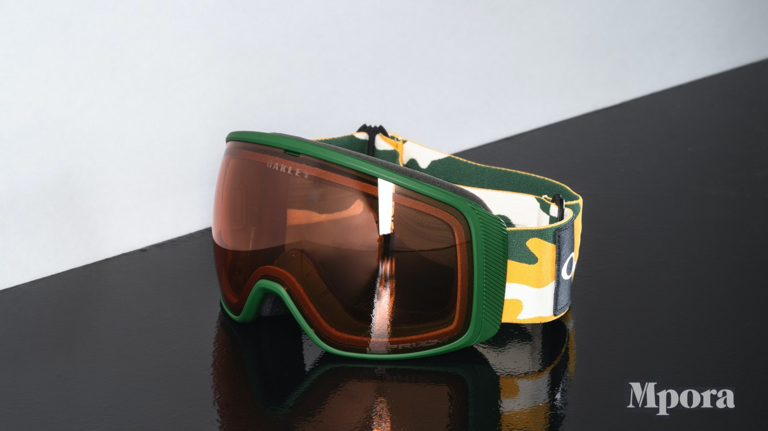 Gifts-For-Skiers-Skiing-Presents