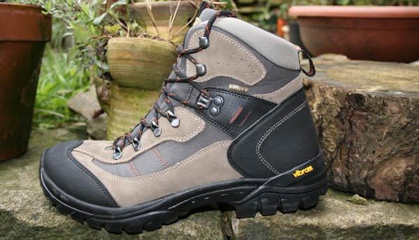 Aldi Budget Walking Boots   First Look