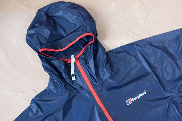 densidad Saludo mostrador  Berghaus Light Hike Mens Waterproof Jacket