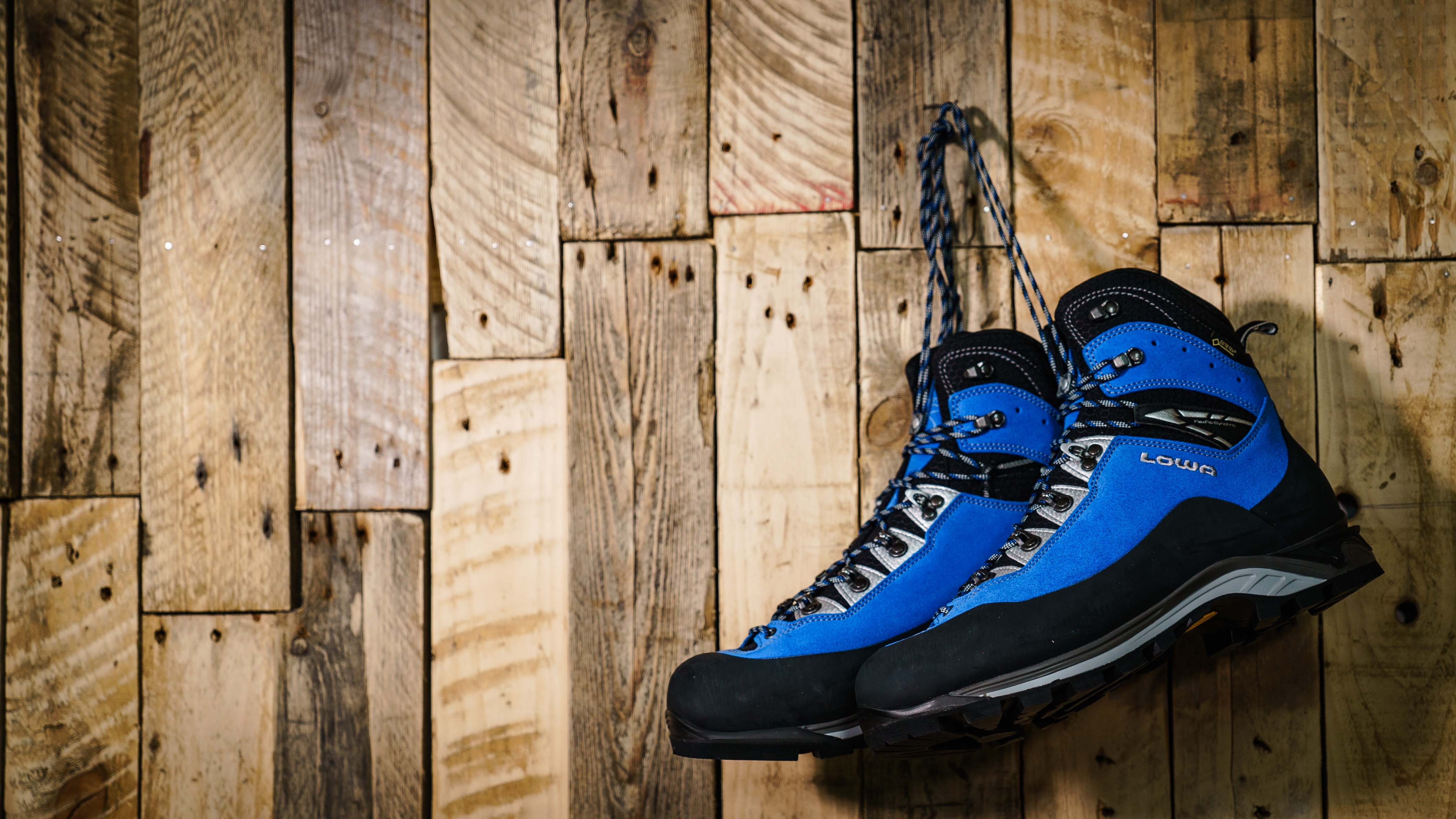 Best Mountaineering Boots 2019 | Top 9 Outdoors Magic