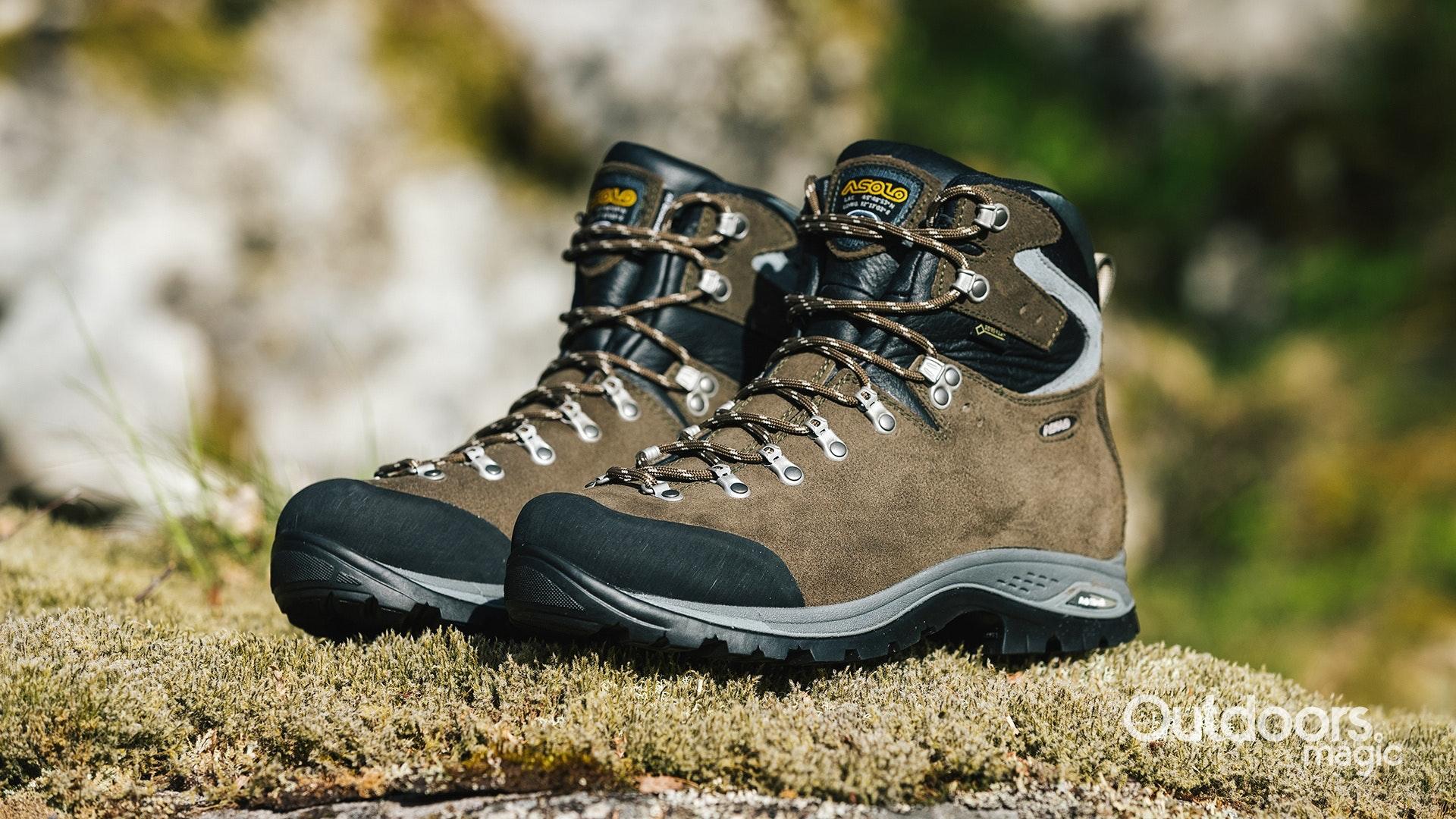 Best Mountaineering Boots 2019   Top 9