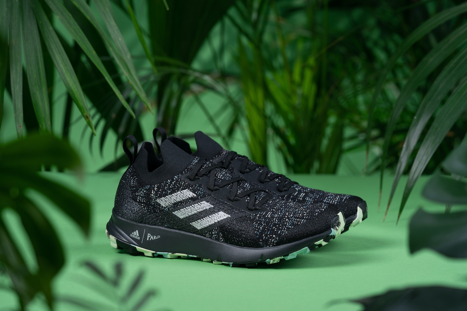 Diploma desconcertado Volverse loco  Adidas Terrex TWO Parley Trail Shoes | Review - Outd...