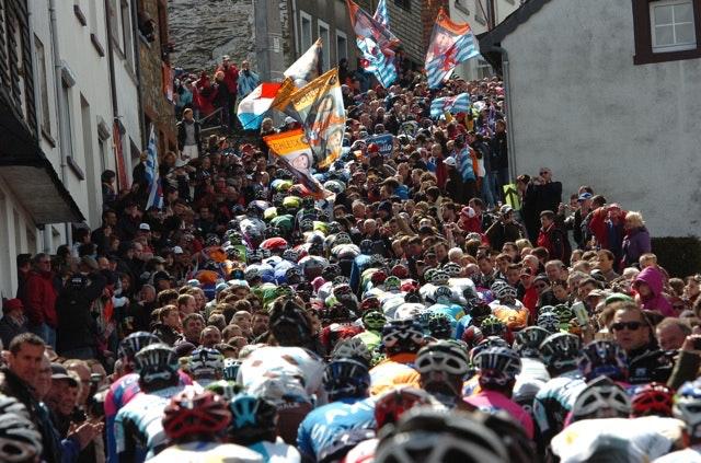 The peloton tackles the climb of the Côte de Saint-Roch after 116.5km in the 2012 Liege-Bastogne-Liege