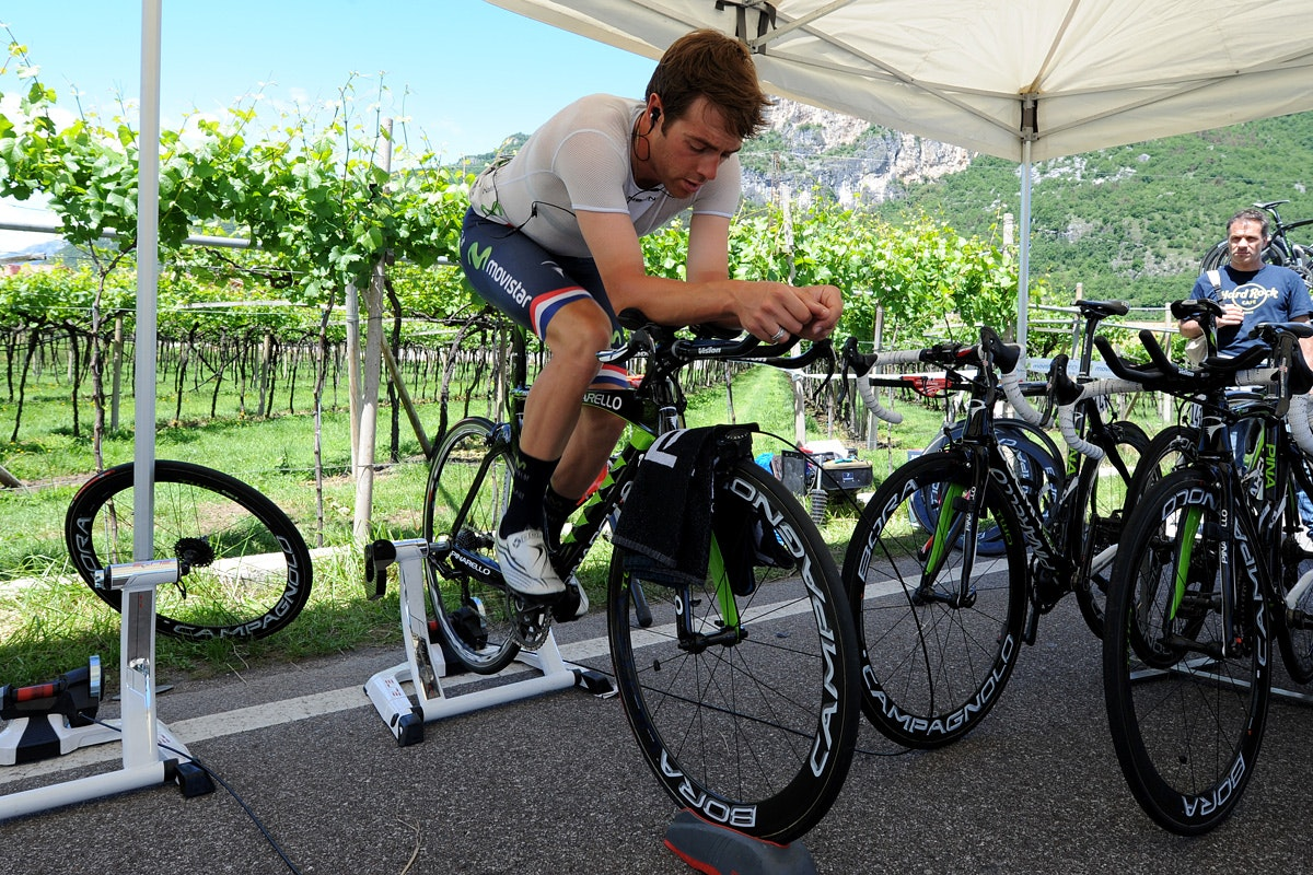 Alex Dowsett, rollers, Giro d'Italia 2013, stage 18, turbo trainer Pic: ©Roz Jones, used with permission