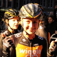 Laura Trott, thumbs up, IG London Nocturne 2013, Pic: ©Roz Jones