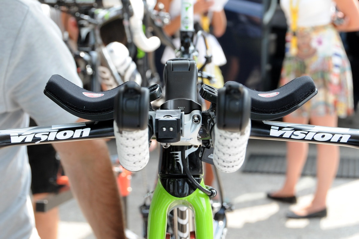 Nairo Quintana bike, Vision tri bars, front view, Tour de France 2013, stage 17, pic: ©Roz Jones, used with permission