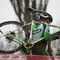 Paul Oldham, Hope Factory Racing, crash, carry, National Championships, Derby, pic: Balint Hamvas