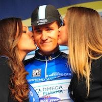 Michal Kwiatkowski, blue jersey, podium, kiss, Omega Pharma-Quickstep, Tirreno-Adriatico, 2014, stage three, pic: Sirotti