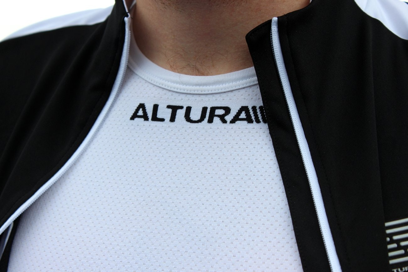 Altura Raceline short sleeve jersey and Thermocool short sleeve base layer (Pic: Timothy John/Factory Media)