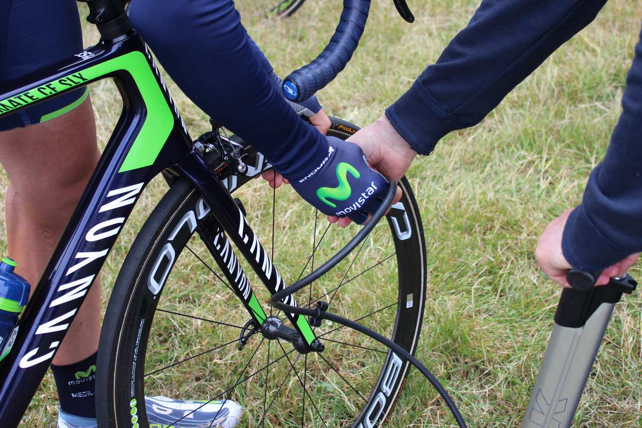 Tour de France 2014, stage two, Imanol Erviti Ollo, Movistar, tyre pressure(Pic: George Scott/Factory Media)