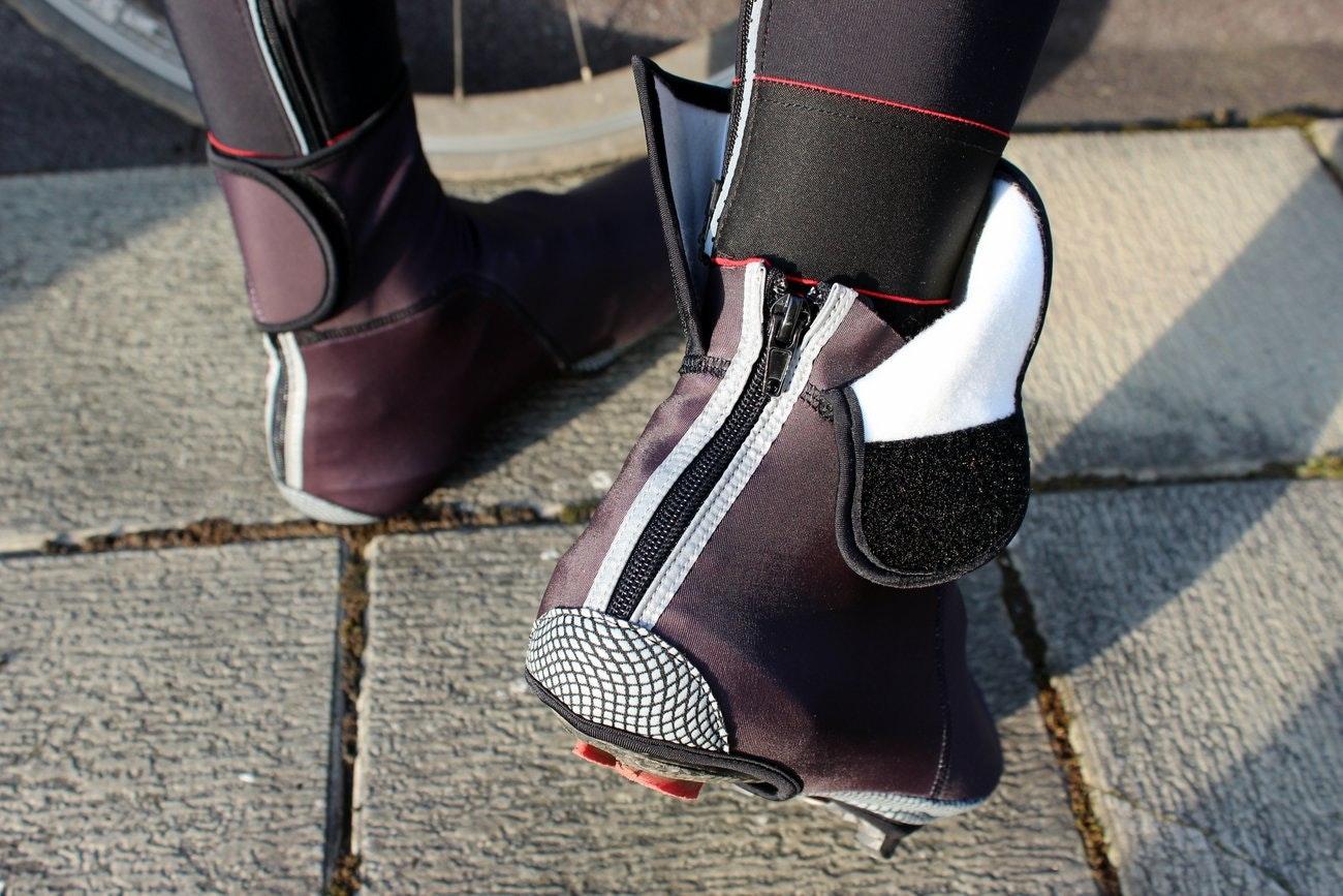 Vermarc Squadra Windtex Over Shoe (Pic: George Scott/Factory Media)