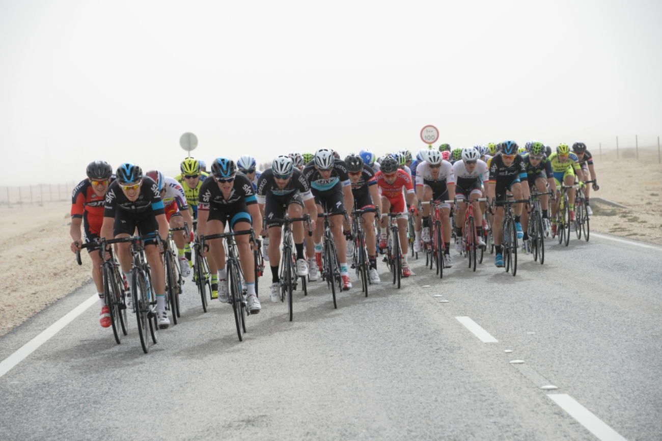 Ian Stannard, Luke Rowe, Tour of Qatar, crosswinds, peloton, pic: Bruno Bade/ASO