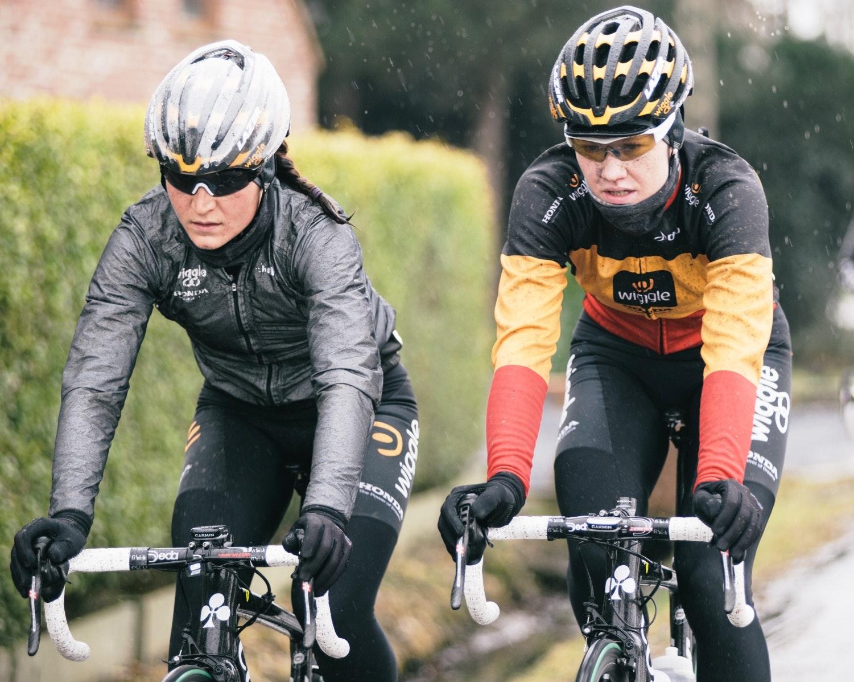 Jolien d'Hoore, Elisa Longo Borghini, Wiggle-Honda, training, rain, jacket, winter, pic: Wiggle