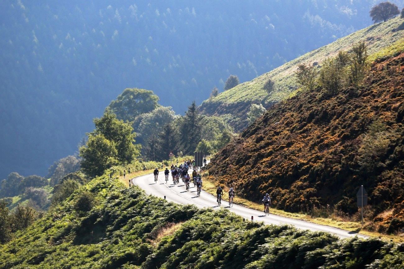 Wiggle Etape Cymru, sportive, Horseshoe Pass, pic: Human Race Events