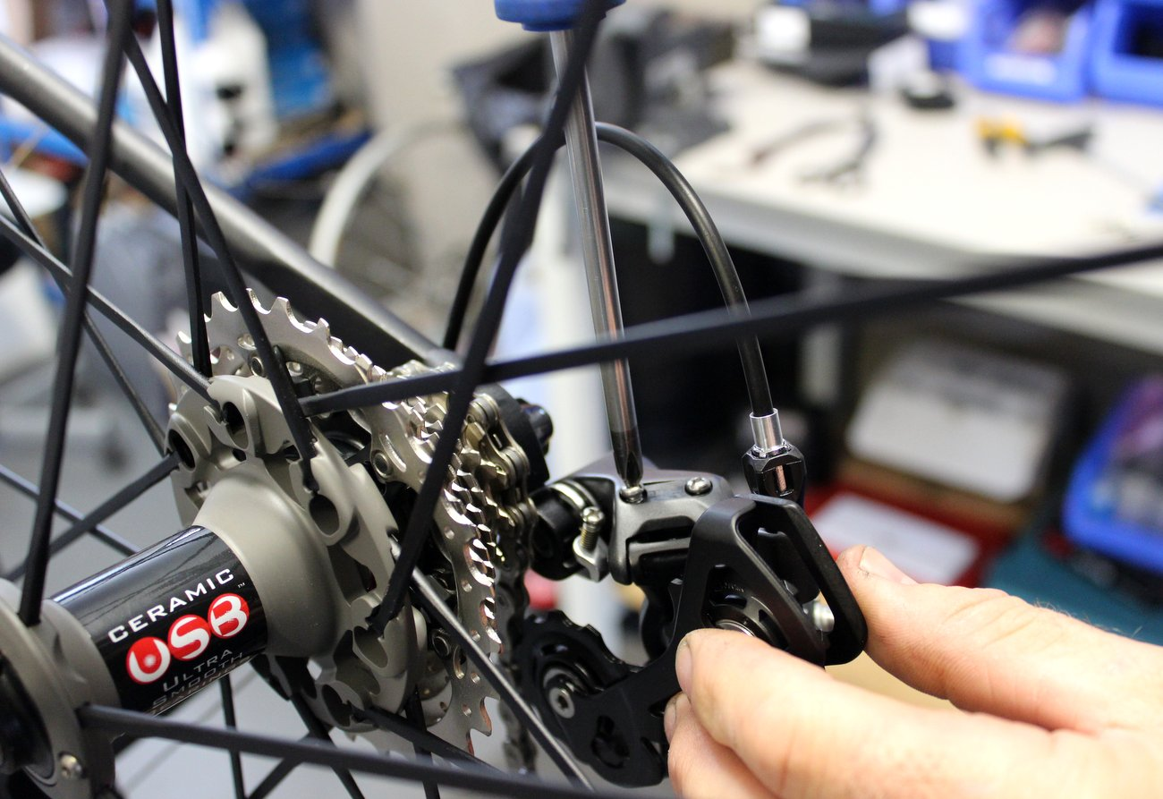 Rear derailleur adjustment