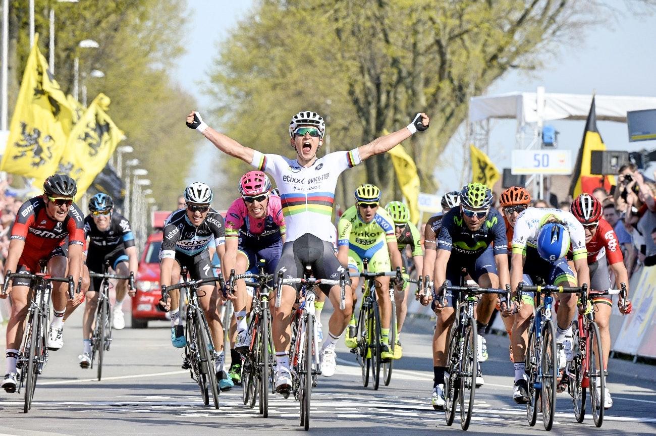 Michal Kwiatkowski, Etixx-QuickStep, world champion, Amstel Gold Race, sprint, salute, pic: Sirotti