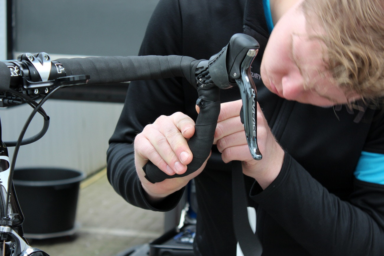 Paris-Roubaix race tech - Luke Rowe, double handlebar tape (Pic: George Scott/Factory Media)