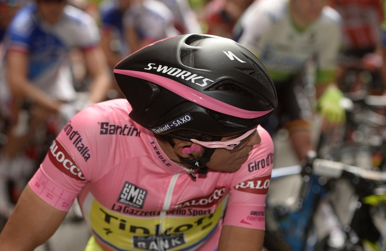 Giro d'Italia 2015, Alberto Contador, pink jersey, Specialized Evade aero road helmet