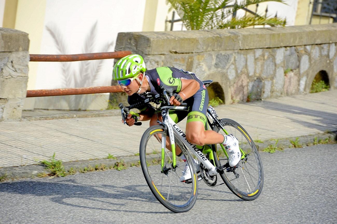 Davide Formolo, tuck, aero, descent, Giro d'Italia, 2015, pic: Sirotti