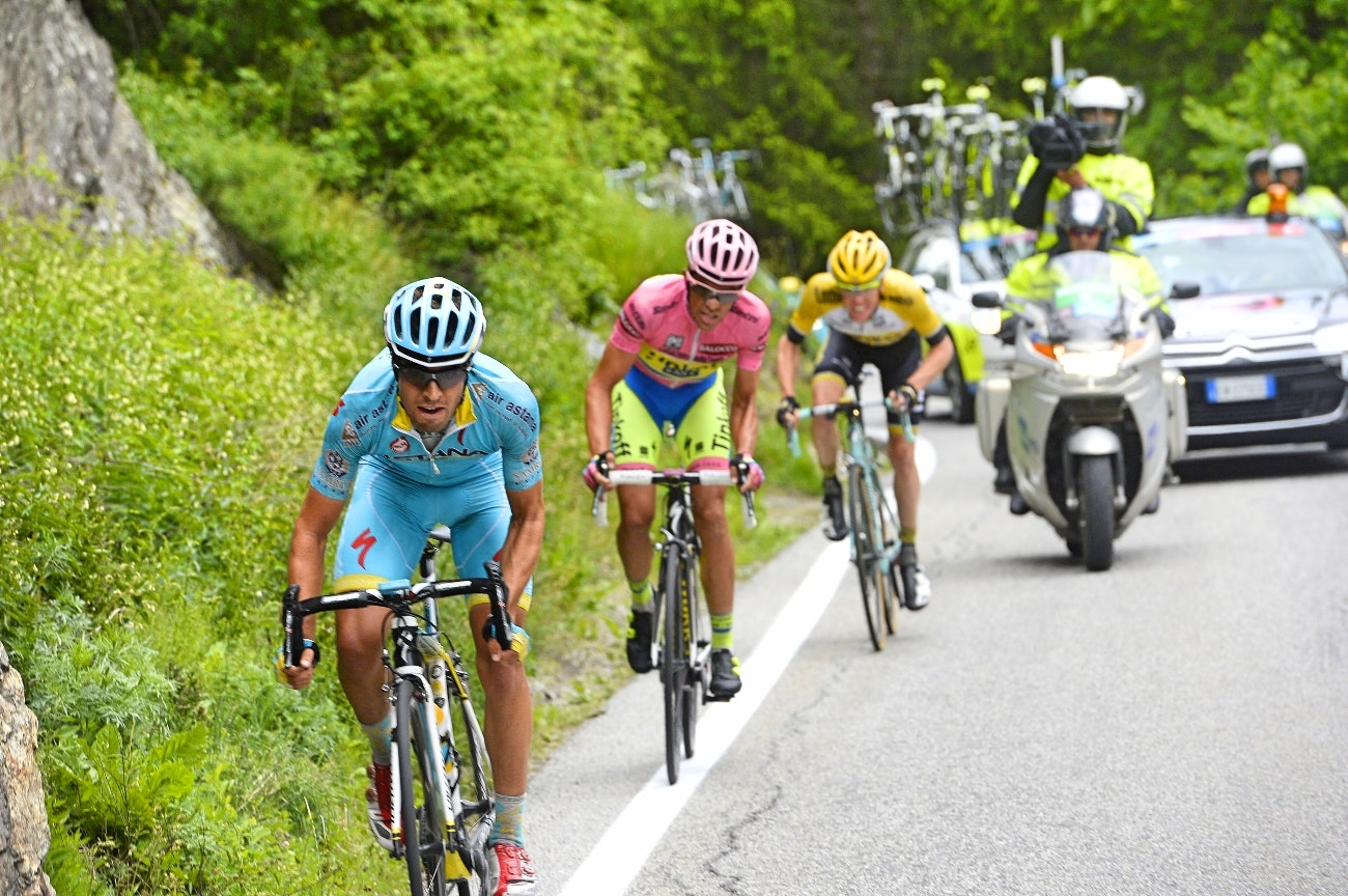 Mikel Landa, attack. climb, Astana, Giro d'Italia, pic: Sirotti