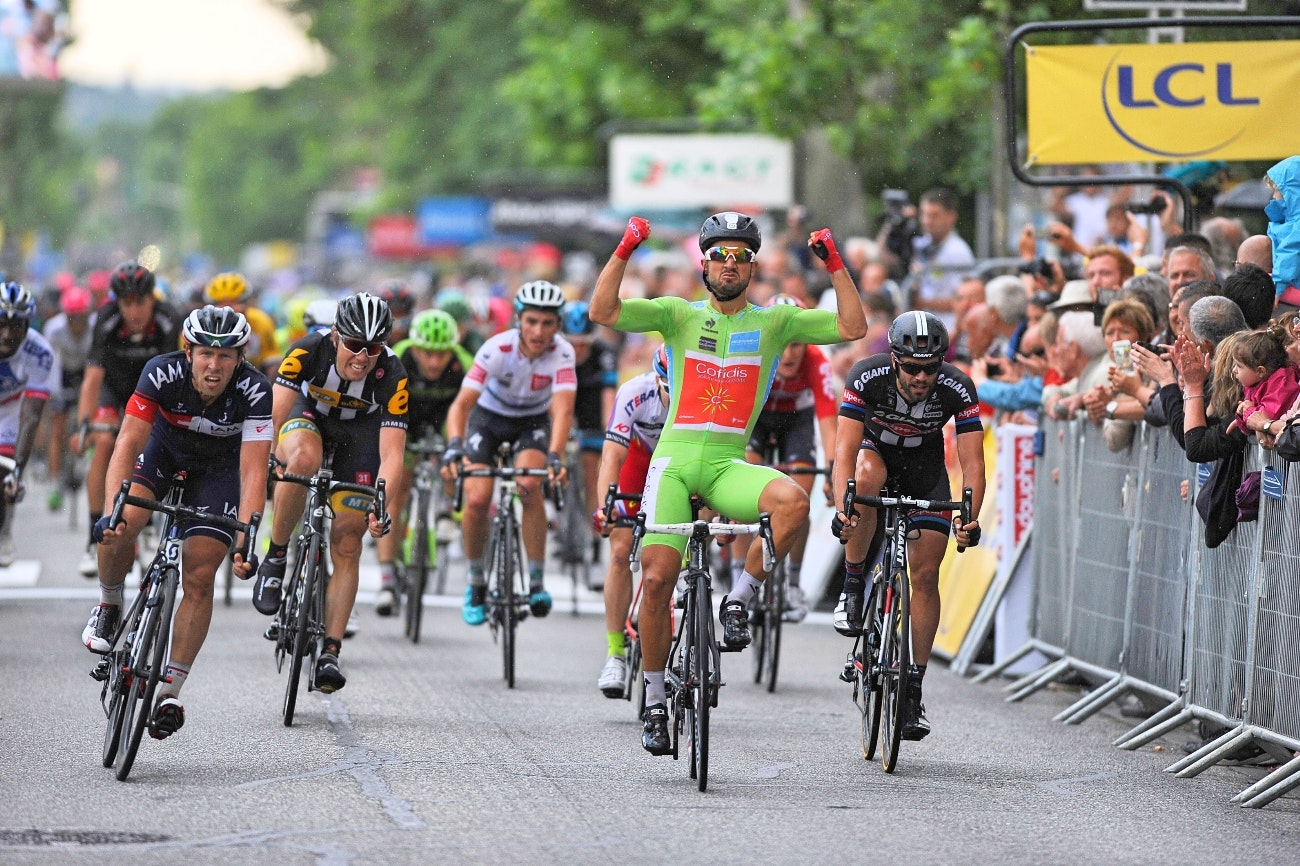 Nacer Bouhanni, green jersey, Criterium du Dauphine, sprint, win, salute, Cofidis, pic: Sirotti