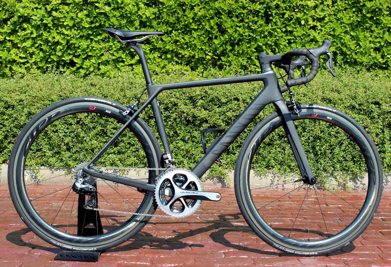 Canyon Ultimate CF SLX 2016 road bike (Pic: George Scott/Factory Media)