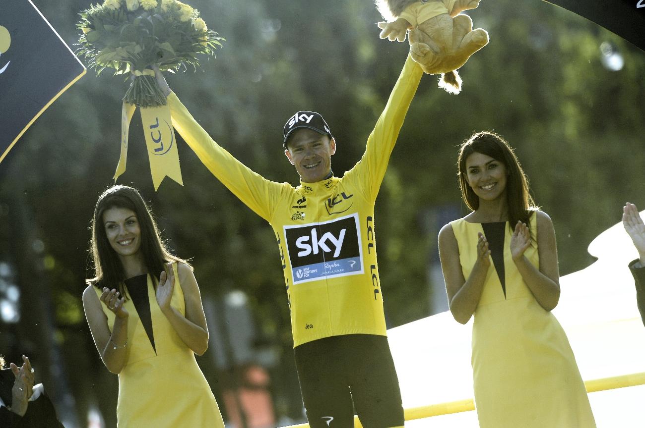 Chris Froome, yellow jersey, podium, 2015, Tour de France, pic - Sirotti