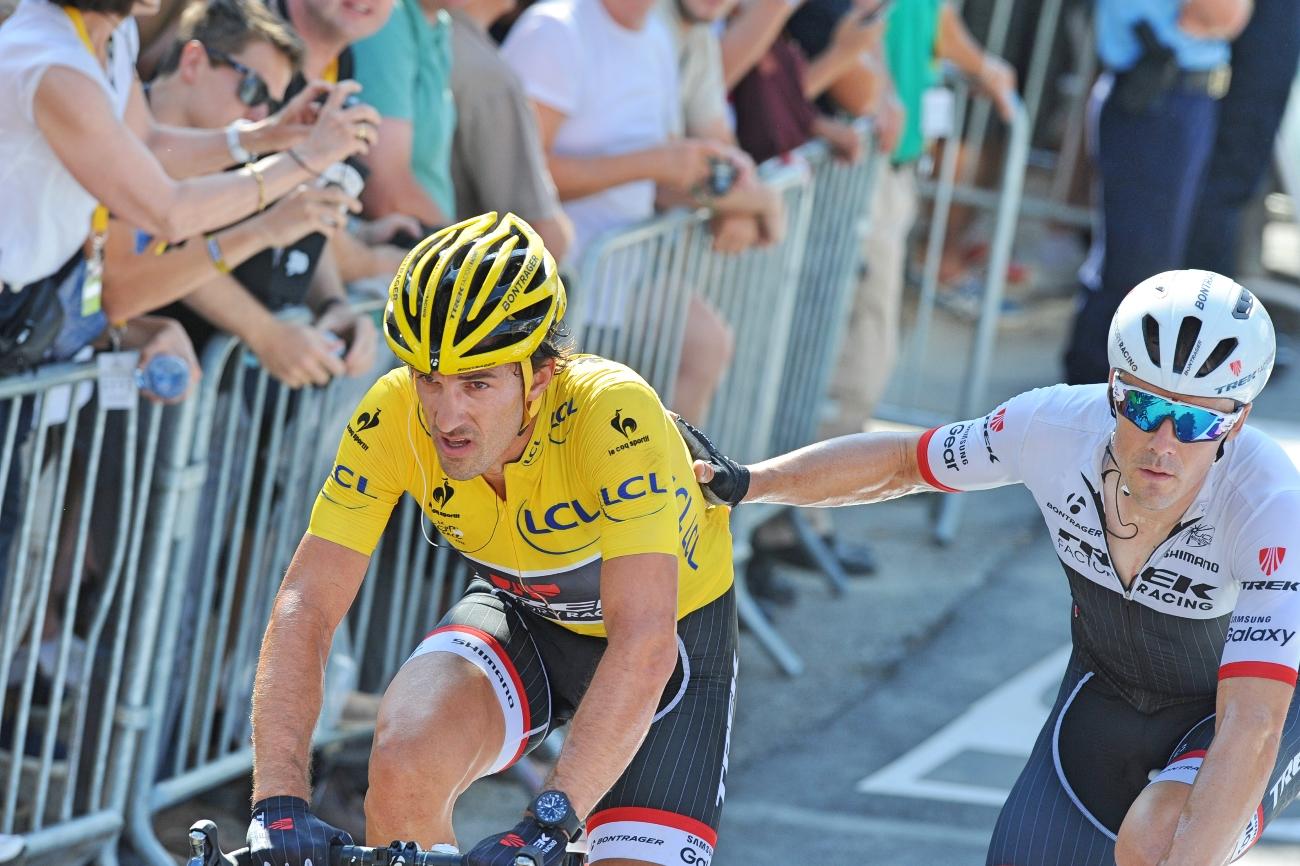 Fabian Cancellara, Tour de France, 2015, Trek Factory Racing, push, yellow jersey, injury, injured, crash, pic: Sirotti