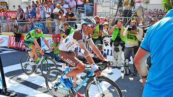 Jean-Christophe Peraud, injured, Tour de France, stage 13, 2015, pic - Sirotti