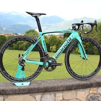 Bianchi Oltre XR4 aero road bike with Countervail comfort technology (Pic: George Scott/Factory Media)