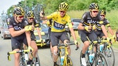 Team Sky, champagne, Tour de France, 2016, stage 21, pic - Alex Broadway_ASO