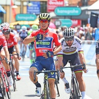 Caleb Ewan, Tour Down Under, 2017, sprint, salute, red jersey, pic - Sirotti