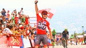 Chris Froome, 2017, Vuelta a Espana, red jersey, Team Sky, salute, climb,, pic - Sirotti