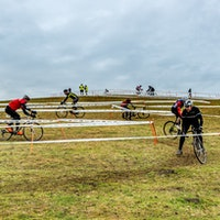 Cyclo-cross racing, Ford Manor Farm (Pic: Dave Hayward Photos)