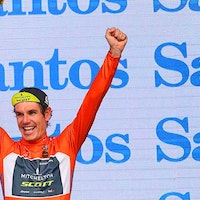 Daryl Impey, ochre jersey, podium, Mitchelton-Scott, Tour Down Under, 2018 (Pic: Tour Down Under/John Veage)