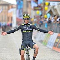 Adam Yates, Mitchelton-Scott, 2018, Tirreno-Adriatico, salute, pic - Sirotti