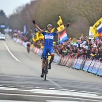 Niki Terpstra, QuickStep Floors, Tour of Flanders, 2018, salute, pic - Sirotti