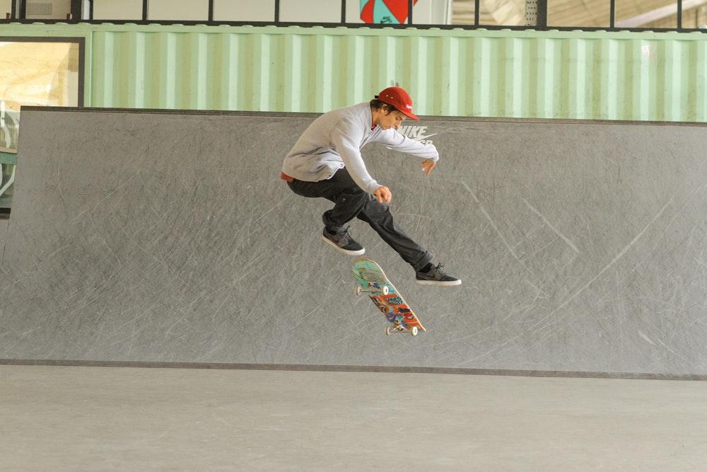 Skateboard Tricks Page 2 Of 3 Sidewalk Skateboar