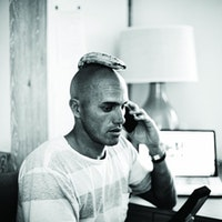 Kelly-Slater-With-a-Banana-on-his-head