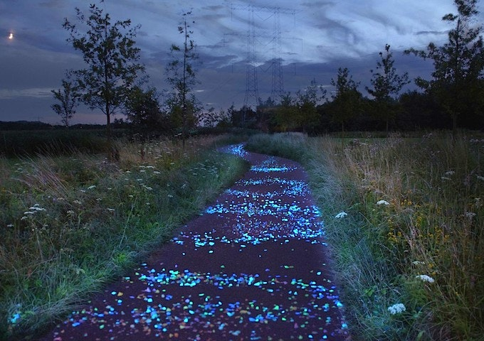 glow in the dark cycle lane Stop Boredom on Your Commute