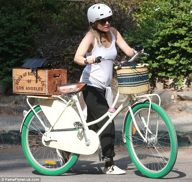 kristen bell cycling while pregnant